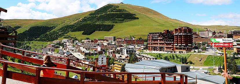 Vue de la station l'Alpe d'Huez où le Crystal Club y organise des vacances cacher