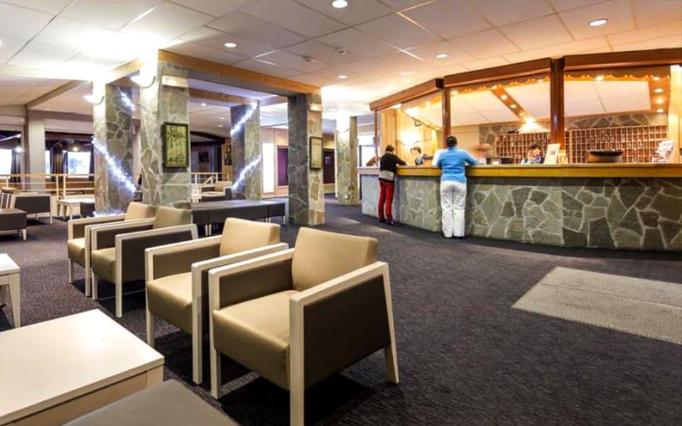 Accueil de l'hôtel du Crystal Club à l'Alpe d'Huez